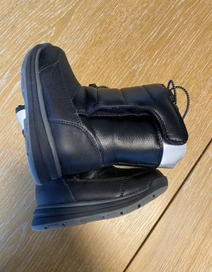 Lands' End Kids Snow Flurry Winter Boots size 9 for Sale in Charlotte, NC