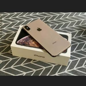 iPhone XS Max for Sale in Azusa, CA