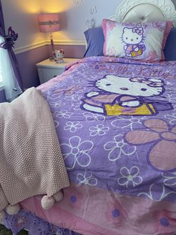 Hello Kitty Bedspread for Sale in Salinas,  CA