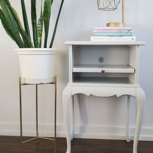 Light Gray Side Table / Night Stand for Sale in Chicago, IL