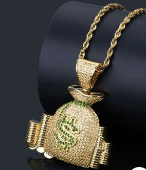 Brand new necklace gold pleated 24k for Sale in Sacramento, CA