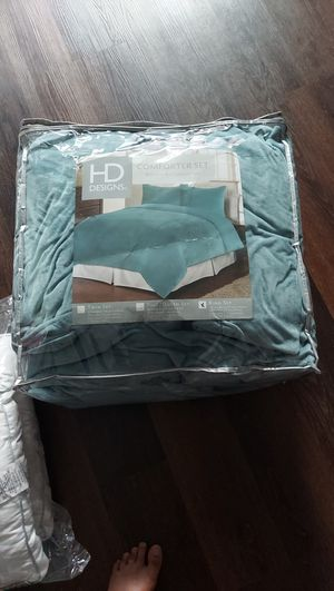 Cushions, comforter set , tables for Sale in Seattle, WA