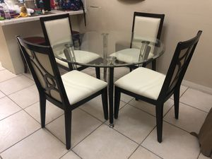 Dinning Table & 4 Chairs for Sale in Hialeah, FL