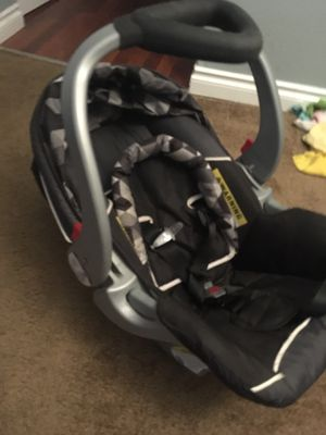 Baby Trend infant car seat for Sale in Portland, OR