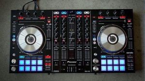 Pioneer ddj sx with case for Sale in Worcester, MA