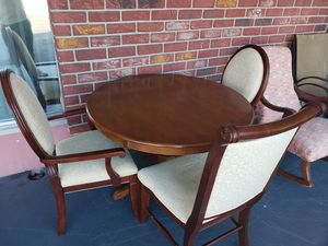 Solid wood table and 4 chairs for Sale in Clearwater, FL