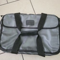 Pyrex Gray Carrier. for Sale in Orlando,  FL