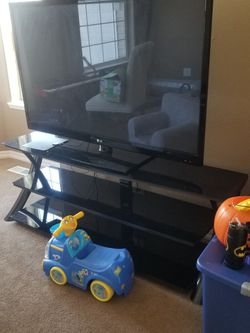 65 Inch LCD TV for Sale in Vancouver,  WA