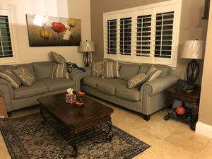 Living room set w/lamps for Sale in Miami, FL