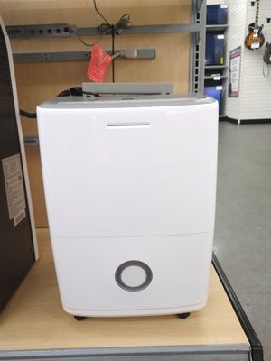 Frigidaire humidifier cash america #2268 for Sale in Houston, TX