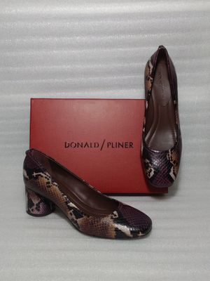 Donald Pliner heels. Size 8.5 women's shoe. Brand new in box. Retail $220 for Sale in Portsmouth, VA