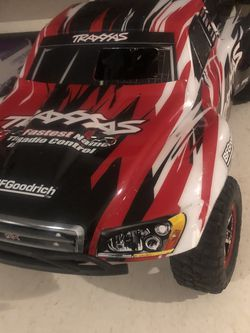 TRAXXAS DUNE BUGGY LIKE NEW for Sale in Opa-locka,  FL