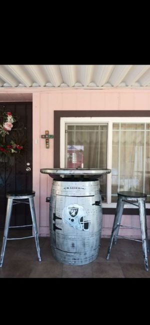 Barril de oak de los RAIDERS cantina for Sale in Fontana, CA