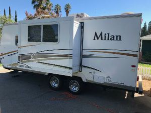 21ft. Milan travel trailer 2011 for Sale in Los Angeles, CA