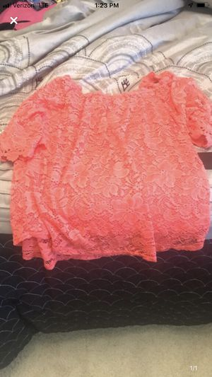 Off the shoulder top size medium for Sale in Danville, PA