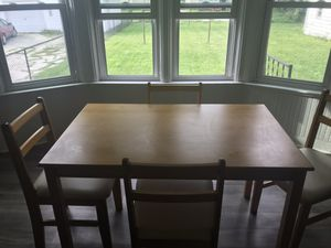 Dining room table w/4 chairs for Sale in Menasha, WI