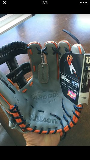 Wilson a2000 11.75 baseball glove new with tags $215 softball for Sale in Chino, CA