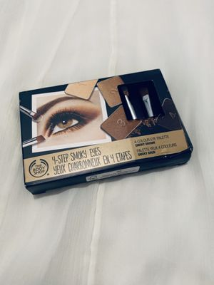Cyber Sale —The Body Shop 4-Step Smoky Eyes Set for Sale in Burr Ridge, IL