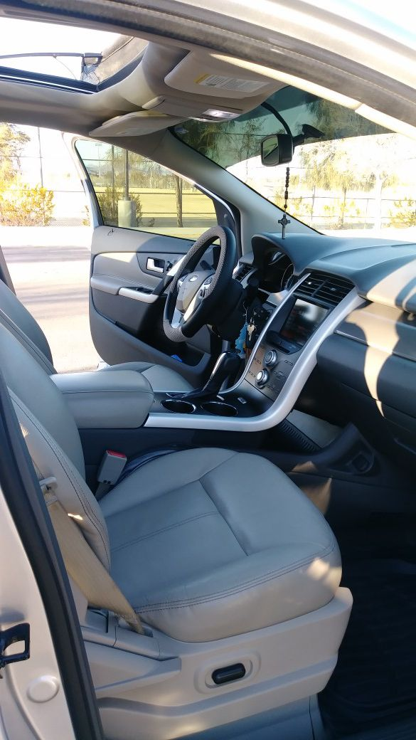 2013 Ford Edge loaded