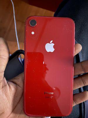 iPhone XR 64 g for Sale in Philadelphia, PA