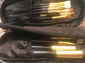 Makeup brushes for Sale in Brandon, FL