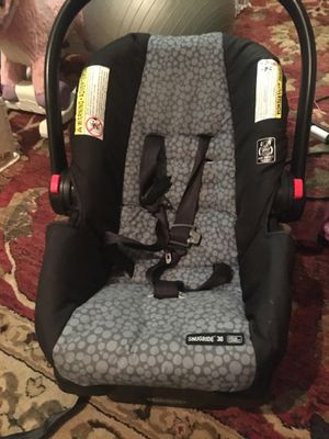 Graco snugride 30 car seat for Sale in West Seneca, NY