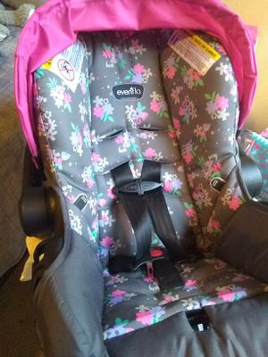 Evenflo Car seat W/ Base for Sale in Santa Maria, CA