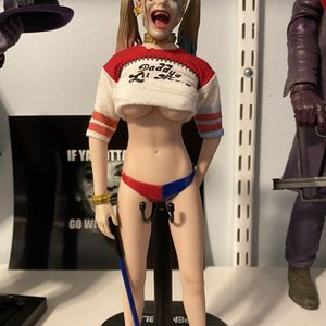 Custom 1/6 Harley Quinn Collectible Figure. for Sale in Chicago, IL