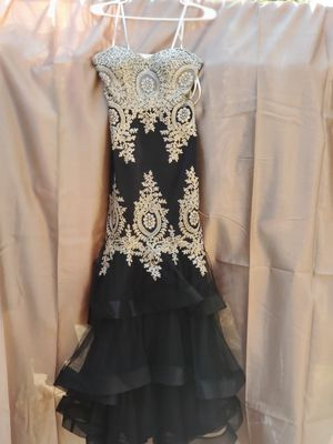 Like New Prom / Party Dress size 2 for Sale in Houston, TX