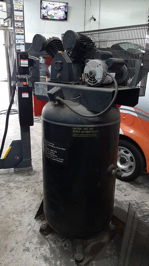 80 gallon Air compressor for Sale in Miami, FL