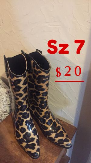 Women's new rain boots - Sz 7 for Sale in Fort Worth, TX