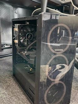 2060super Gaming desktop Pc,gaming Chair, gaming Monitor,Razed Keyboard,Razer Mouse for Sale in Irvine,  CA