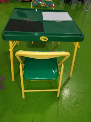 Really nice Kids Table by crayola for Sale in West Palm Beach, FL