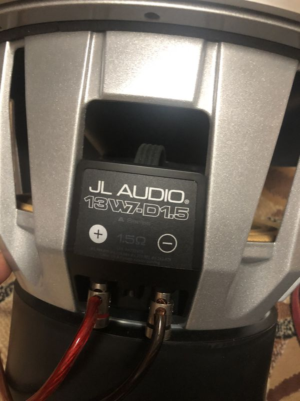 """Jl audio w7 13"""" working perfect price very firm 500"""