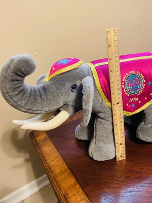 Beautiful 1997 Ringling Bros Barnum Bailey 127th Edition Circus Elephant for Sale in San Antonio, TX