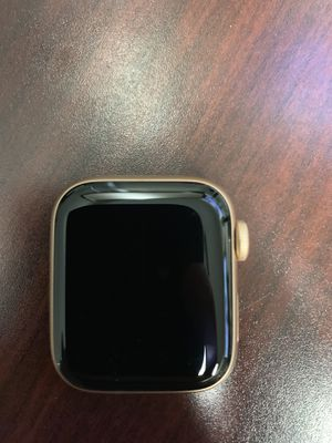 Apple Watch series 4 40mm GPS Rose Gold 27 for Sale in Rancho Cordova, CA