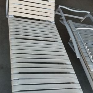 Lounge Pool chairs 2 Pick up Today Firm Price Serious Buyers Please for Sale in Perris, CA