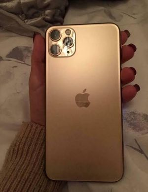 neat iPhone 11 pro max for Sale in Munds Park, AZ
