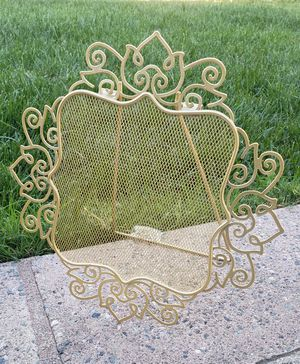 BEAUTIFUL EASEL SIGN FOR CANDY TABLE for Sale in San Bernardino, CA