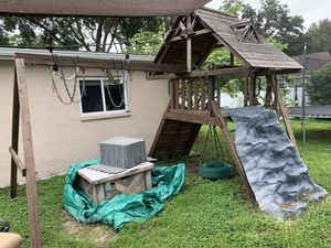 Free Swing Set!!! for Sale in Tampa, FL