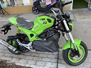 $1400 new 2019 scooter. Fire 0 miles for Sale in Miami, FL