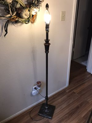 5' Lamp no shade for Sale in Houston, TX