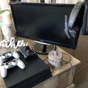 PS4 Pro Viewsonic Monitor A10 Headset for Sale in Glendora, CA