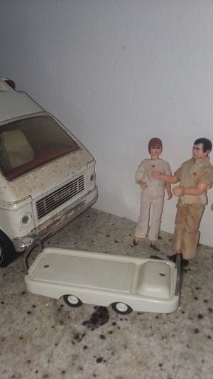 TONKA large AMBULANCE WITH THREE ACTION FIGURES for Sale in Englewood, FL