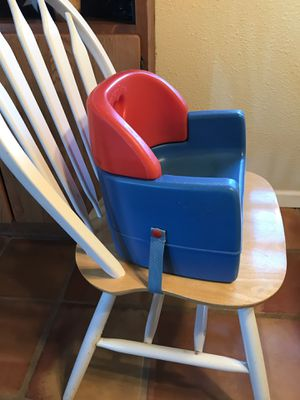 Fisher Price child chair booster seat for Sale in Colorado Springs, CO