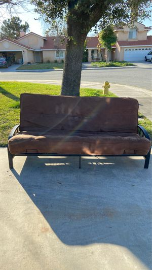 Futon for Sale in San Jacinto, CA