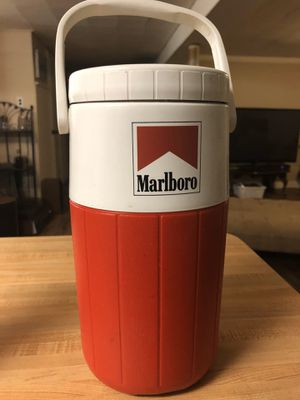 Marlboro Coleman Water Jug Cooler Thermos Pour Spout for Sale in Lodi, NJ