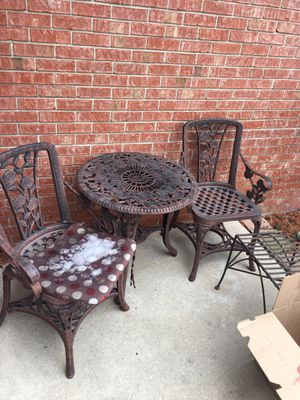 Patio furniture 3 piece set for Sale in Sterling Heights, MI
