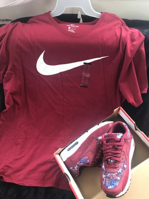 Nike Air Max 90 w/ the Nike Shirt for Sale in Columbus, OH