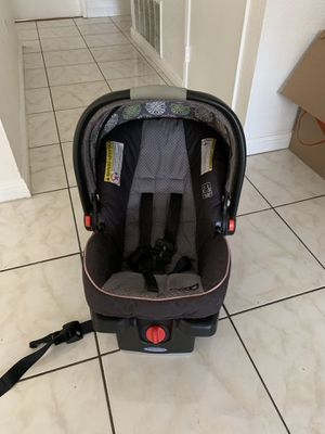 Graco car seat for Sale in Palmdale, CA